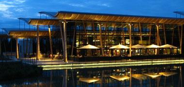 Ferienpark Moselle Market Dome bei Nacht