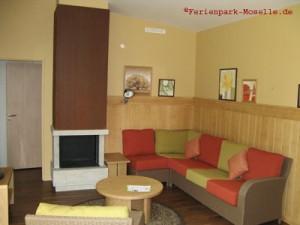 Wohnzimmer-VIP-Ferienhaus-Center-Parcs-Moselle